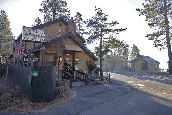 Franciscan Lakeside Lodge: Entrance
