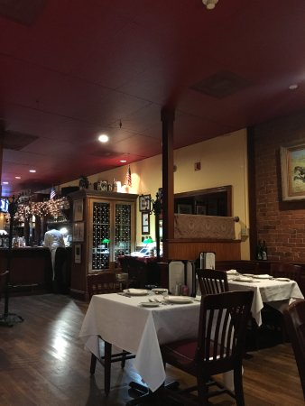 Joseph's Steakhouse: Empty at 9pm