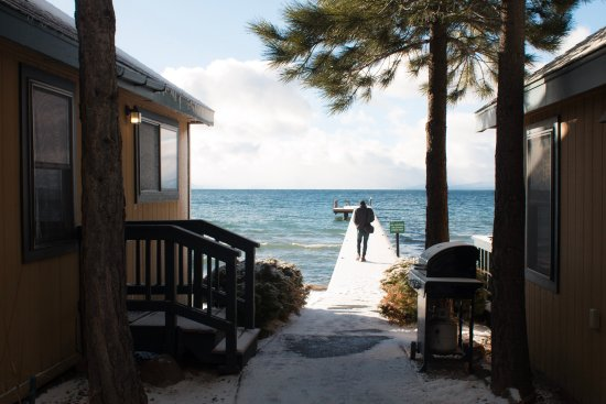 Franciscan Lakeside Lodge: Private beach and pier