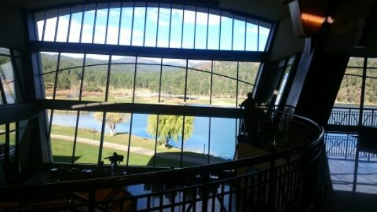 ‪‪Mescalero‬, نيو مكسيكو: Common Area Overlooking Lake & Golf Course‬