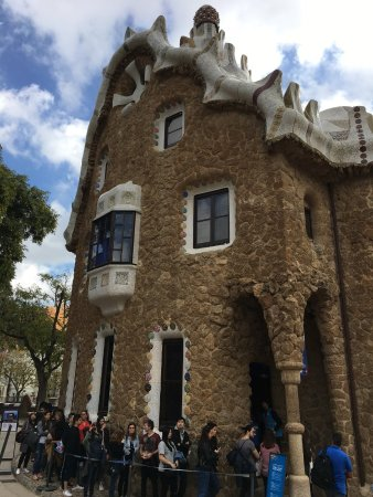 Pepito Tours. Private Day Tours of Barcelona : Park Guell