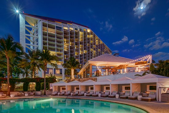 Naples Grande Beach Resort Updated 2018 Prices Reviews Fl Tripadvisor