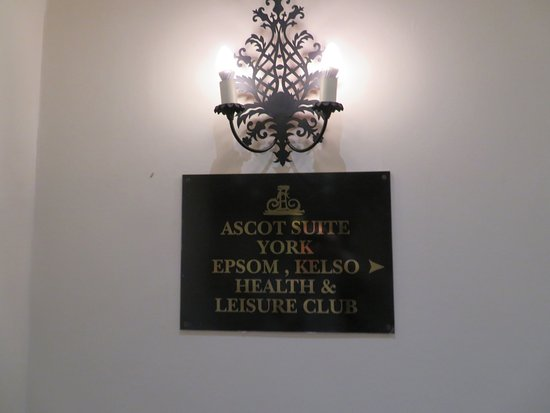 The Spa at Brook Mollington Banastre Hotel: Signage
