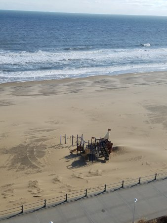 Hampton Inn Virginia Beach-Oceanfront South: Playground on the beach directly in front of hotel