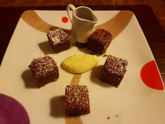 Pieranica, อิตาลี: Torta morbida al cioccolato con crema di Nutella e ganache di cioccolato bianco