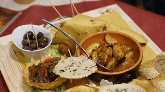 Pedara, Italia: Le stuzzicherie dell'aperitivo