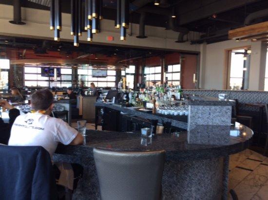 Lenexa, KS: Bar area