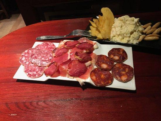 Taberna El Rincon de Jose: Mixed sausages