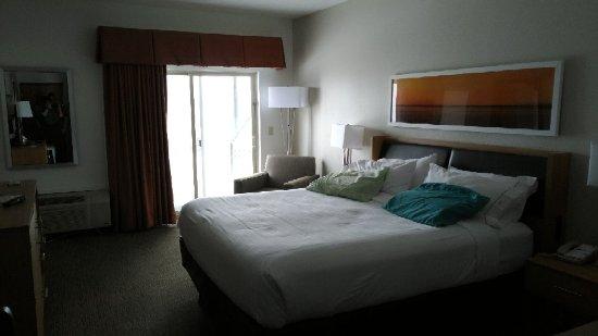 Holiday Inn Express Munising -  Lakeview: P_20171222_142809_vHDR_On_large.jpg