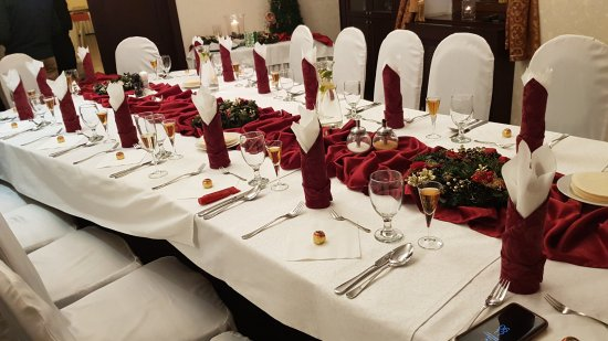 Eco friendly Hotel Dalia: Xmas Eve dinner table for 15 family members