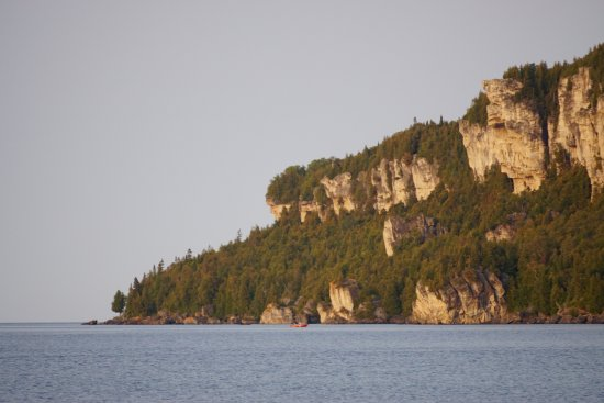 Lion's Head Lighthouse: View of cliff across from lighthouse.