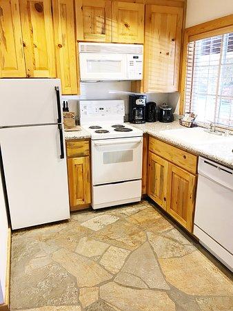Tahoe Vista, CA: Kitchen area inside studio