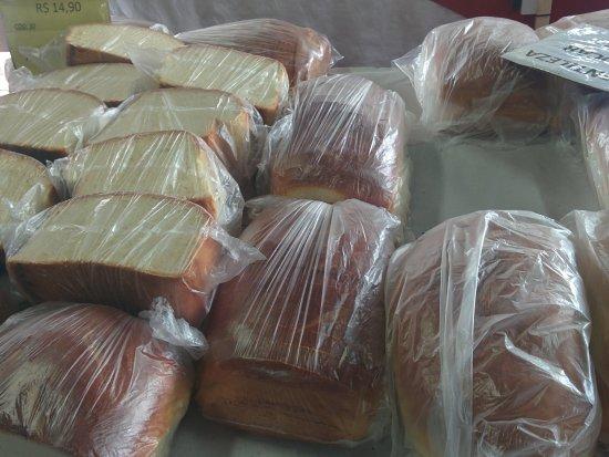 Ortigueira, PR: Pão caseiro gigante, delicioso, custa R$14 reais o fatiado