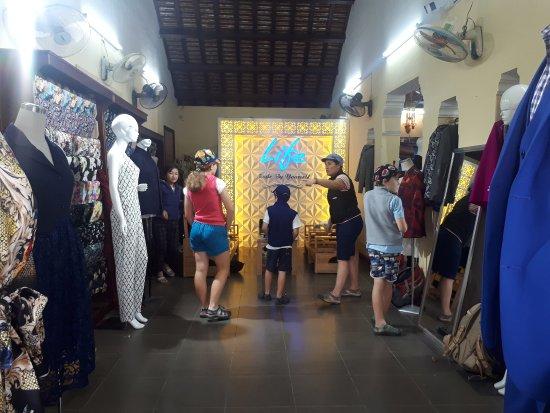 Life Clothes Shop