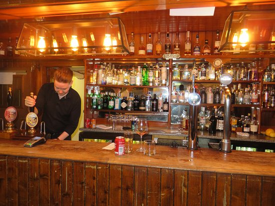North Ballachulish, UK: The Bar with Allie at Work!