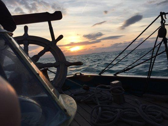 The Schooner Hindu, Hindu Charters : Key West sunset on the Hindu