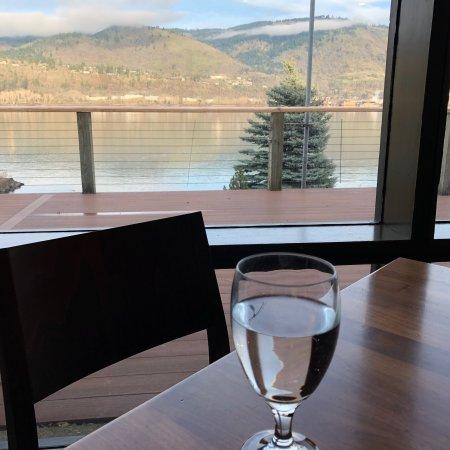 Riverside Restaurant: photo0.jpg