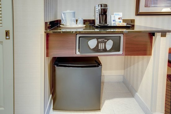 Holiday Inn Express Hotel & Suites West Long Branch: Guest room amenity