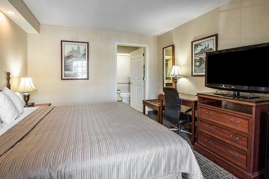 Oxford, AL: Guest room