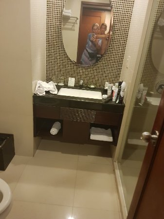 Bali Rani Hotel: 20180113_193938_large.jpg