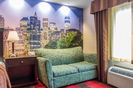 Little Ferry, NJ: Guest room