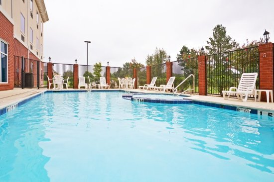 New Boston, TX: Pool