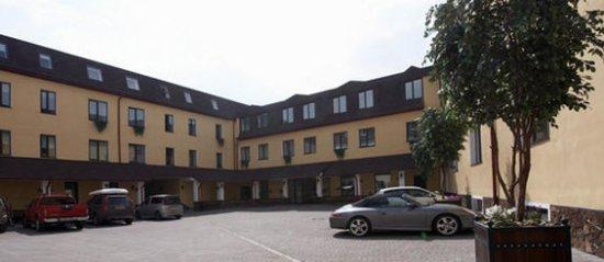 Dom Hotel Classic: Exterior