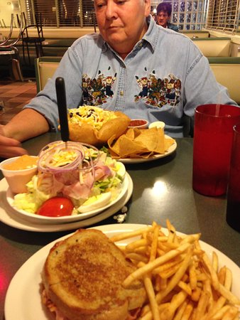 Sebring, FL: Taco salad, Chef Salad and Grilled Ham and Cheese with Fries!!!!!