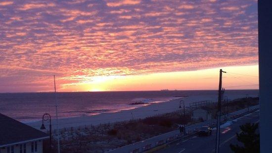 Sandpiper Beach Resort: Sunset from Room 316