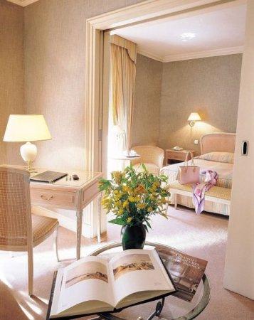 Hotel d'Angleterre, Saint Germain des Pres: Guest room