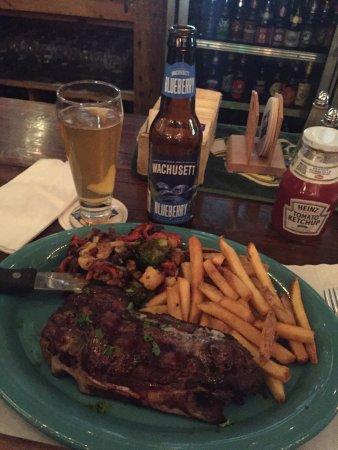 Lanesboro, MA: Old Forge Restaurant