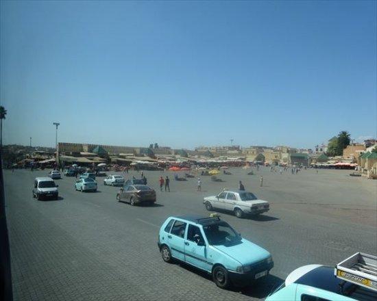 مكناس, المغرب: 'エテイム広場'