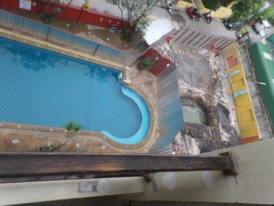 Chiang Mai Thai House: This is the pool?
