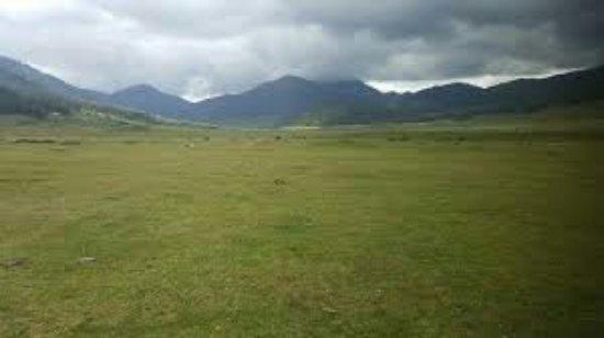 Phobjikha Valley: images-1_large.jpg