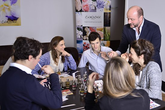Candora perfume workshop