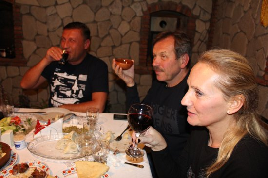Kakheti nukriani natural food and wine 4x4 for Cuisine 4x4