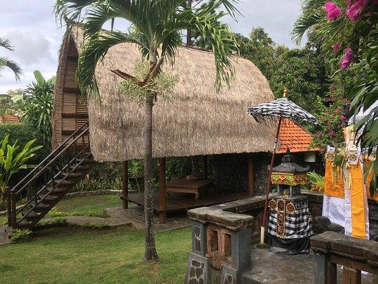 Puri Mangga Sea View Resort & Spa: Tradition