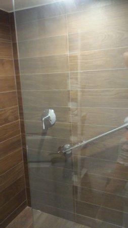Banana Bay Resort and Marina Marathon: modern shower