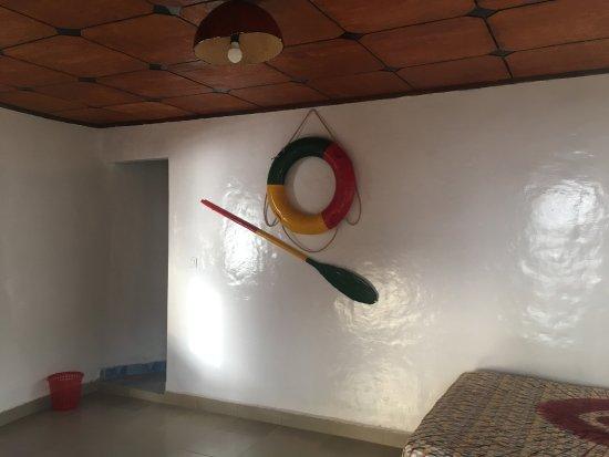 Roume, Guinea: Chambre d'un Bungalow