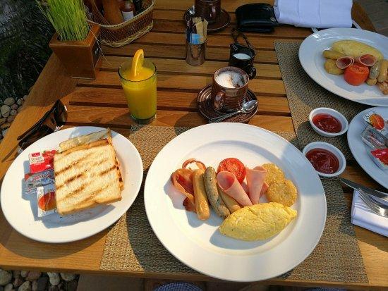 AVANI Pattaya Resort & Spa: avani breakfast