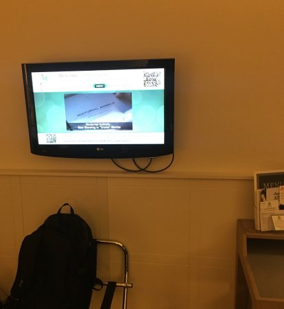 Holiday Inn London-Heathrow M4, Jct. 4: Flat Screen TV With Freeview.