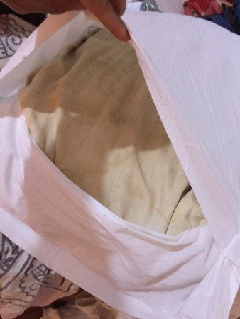 Anjuna, India: This was the second pillow after complaining about the dirty mouldy pillows