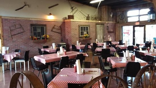 Oregon, WI: Ziggy's BBQ Smokehouse & Ice Cream Parlor