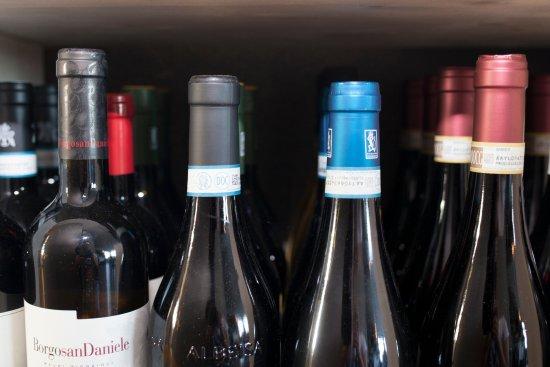 Lesa, Italy: vini