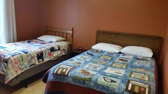 Cormack, Kanada: Bedroom in Efficiency Unit