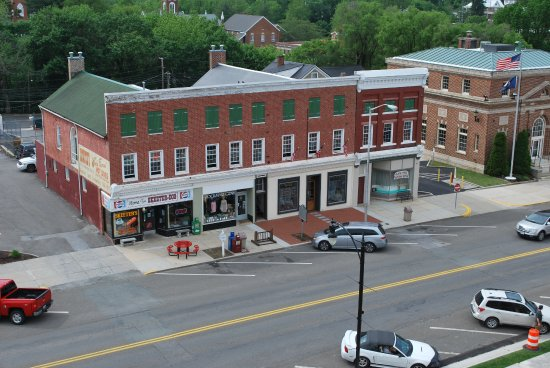 Wytheville, VA: Bolling Building - museum is located in a lower level storefront.
