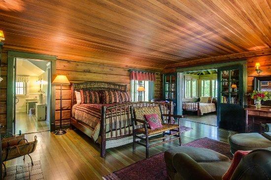 Stout's Island Lodge: Allison 1