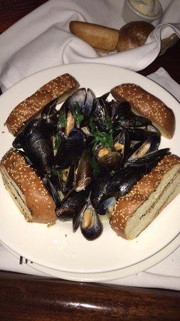 Tweeds Restaurant In Riverhead New York