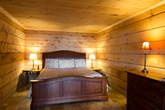 Birchwood, WI: Shore Lodge 6