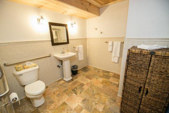 Birchwood, WI: Shore Lodge 6